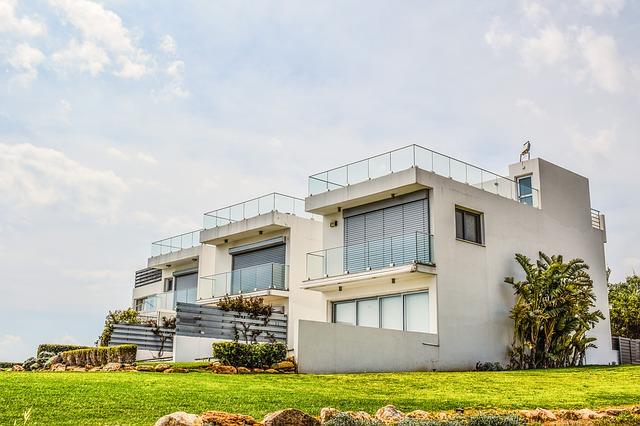 Co powinna zawierać umowa pośrednictwa na sprzedaż nieruchomości