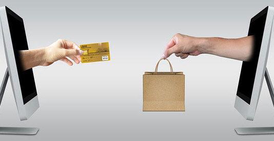 Jak i dlaczego warto robić zakupy w drogerii internetowej?