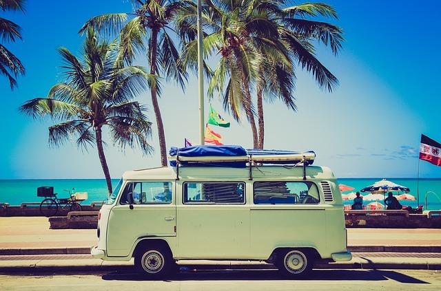 Wycieczka objazdowa - pomysł na wakacje.