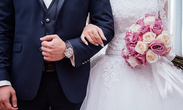 Suknie wieczorowe dla puszystych na wesele