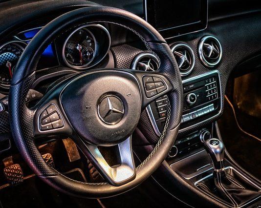 Mercedes z salonu - dlaczego warto?
