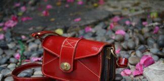 Wybór damskiej torebki nie jest prosty